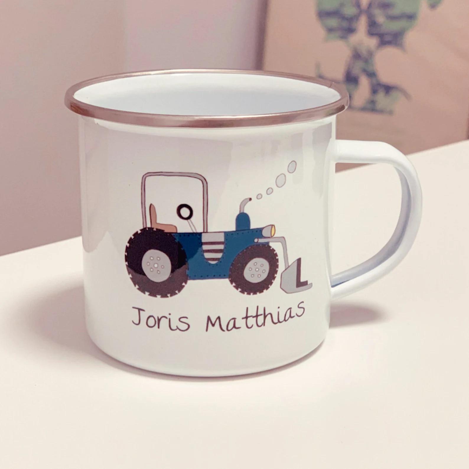 Emailletasse mit Namen Traktor Ines